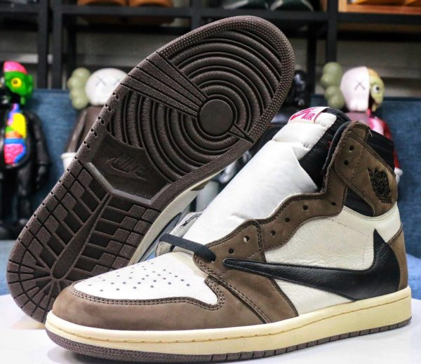 tenis-Jordan-1-High-OG-X-Travis-Scott